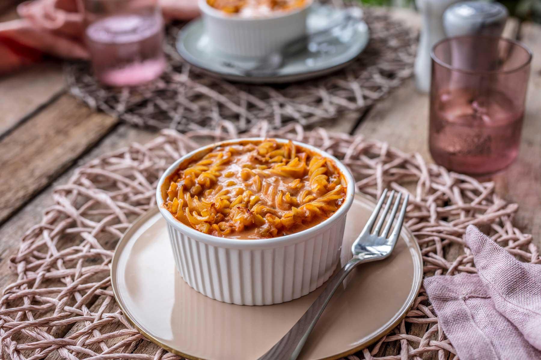 Zapečena tjestenina s rajčicom i tunom